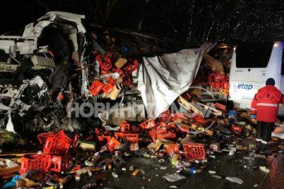 991-ratio-katastrofa-kamion-avtobus-kozarevec-1.jpg