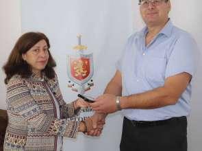 """Наградиха служител на РУ-Омуртаг с """"Почетен знак на МВР"""" – III степен"""